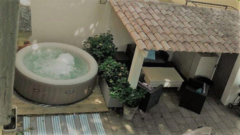Maison de Village au coeur de la Provence, holiday rental in Noves