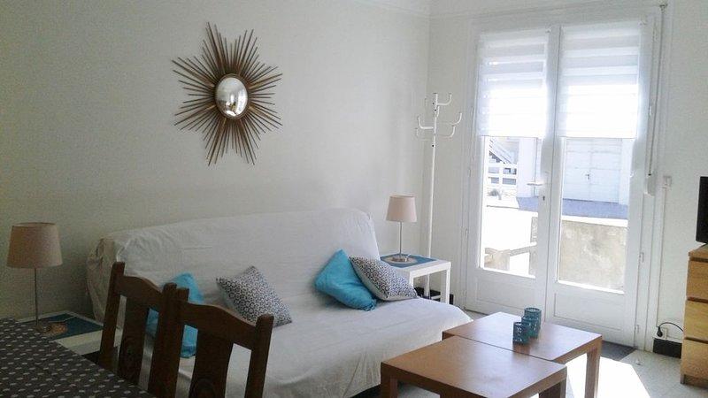 Appartement rez de chaussée à 2 pas de  la plage... avec parking, vacation rental in Fort-Mahon-Plage