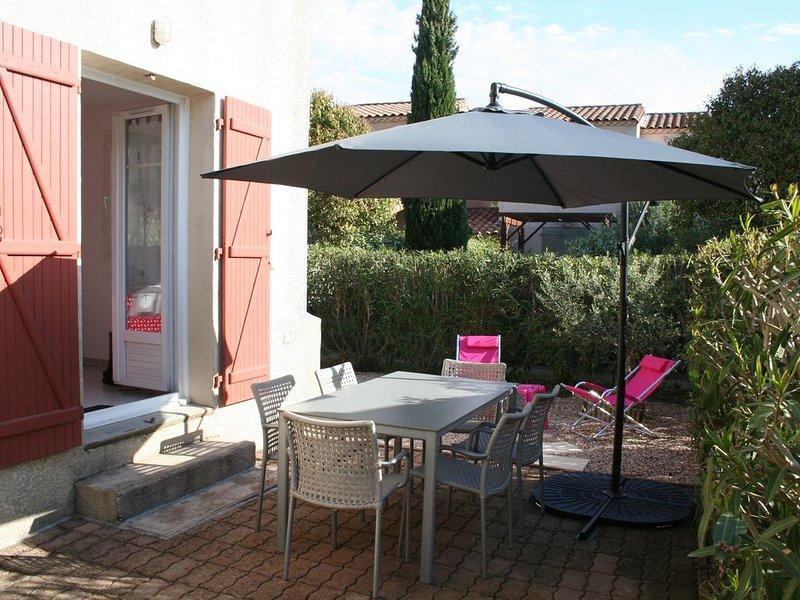 Villa à deux pas de la cité médiévale dans une résidence très calme, vacation rental in Aigues-Mortes
