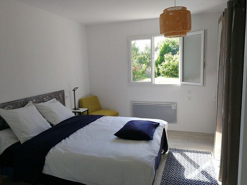 Belle Suite neuve au calme, proximité plage, environnement nature, holiday rental in Saint Andre des Eaux