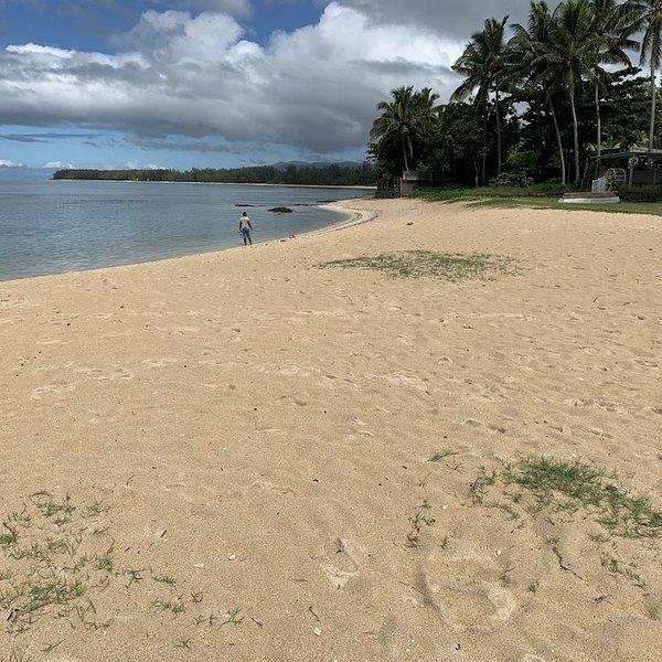 Riambel: Campement entièrement rénové et équipé avec un accès direct à la plage, alquiler vacacional en Riviere des Anguilles