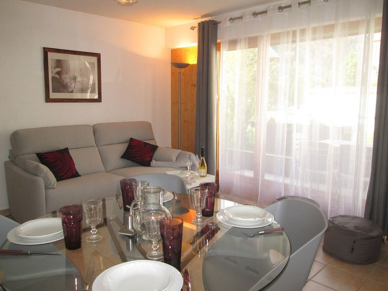 Appartement 4/6p avec terrasse au calme, proche des stations de ski, holiday rental in Saint-Jean-de-Sixt
