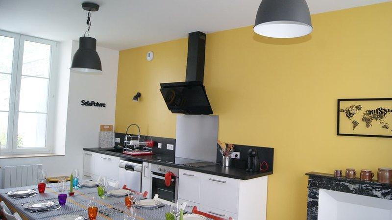 Maison tourangelle classée 4 étoiles avec jacuzzi/spa, vacation rental in Chahaignes