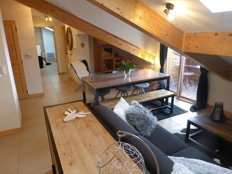 très bel appartement au dernier étage d'une résidence chalet skis aux pieds, alquiler vacacional en Mont-de-Lans