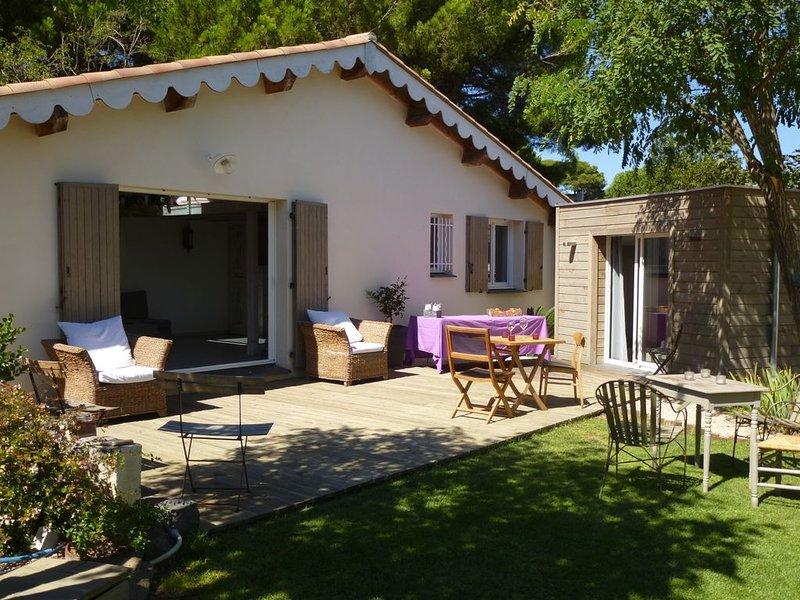 Agréable maison sans vis à vis au calme proche plage avec piscine hors sol., holiday rental in La Tamarissiere