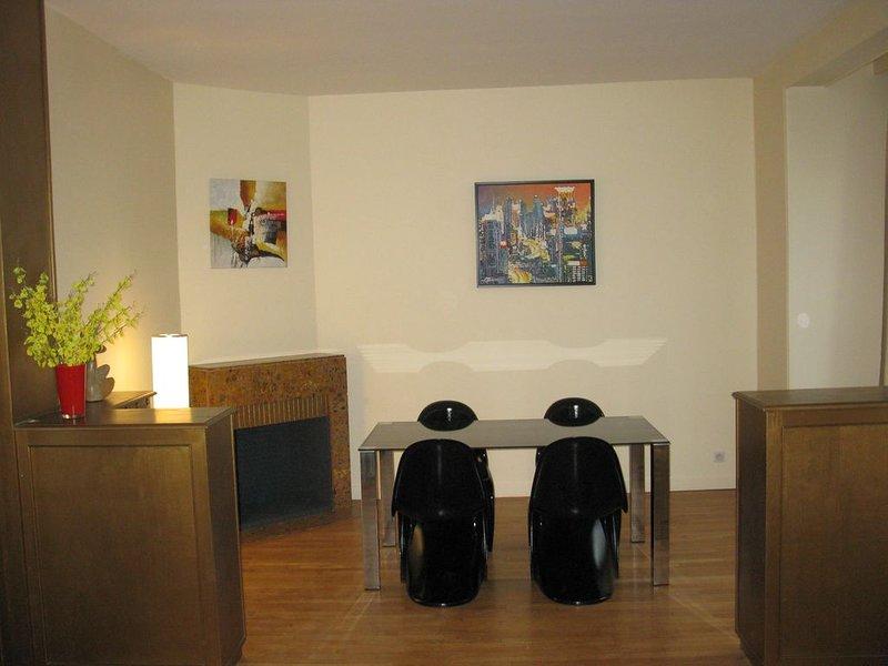 ESCAPADE - APPARTEMENT 2 à 4 PERS , 60 m2 , WIFI GRATUIT, vacation rental in Allier