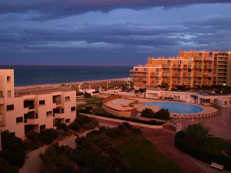 Appartement vue sur mer, parking et proche des commerces, casa vacanza a Le Barcares