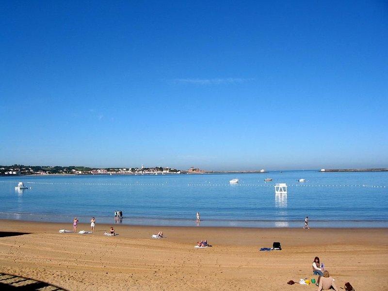 T4 Saint Jean de Luz : 100 m plage et port,coeur centre historique et commerces, location de vacances à Saint-Jean-de-Luz