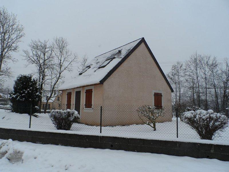 Maison individuelle au cœur du Val d'Azun à 800m d'altitude, holiday rental in Aucun