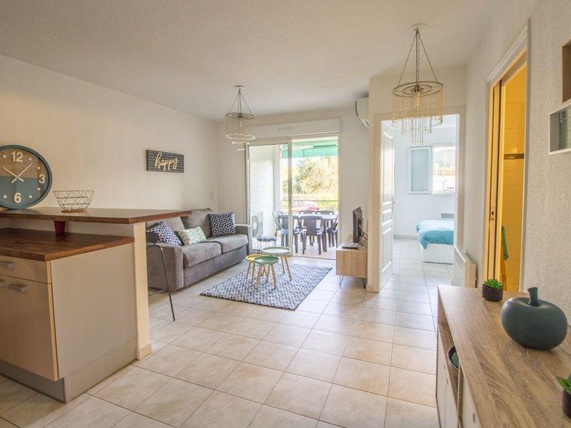 Appartement avec Terrasse, Jardin et Parking, location de vacances à Casta