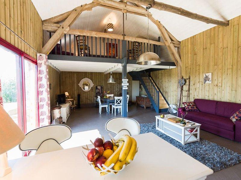 MAISON DE CAMPAGNE - COUNTRY HOUSE - COUP DE CŒUR ASSURÉ !!!, location de vacances à Monthodon