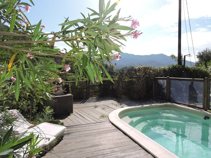 Maison provençale au coeur des collines, holiday rental in Roquevaire