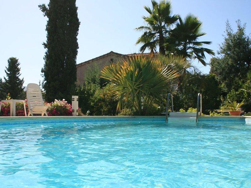 Très Beau T2 dans une villa individuelle avec piscine et jardin, location de vacances à Valle-di-Mezzana
