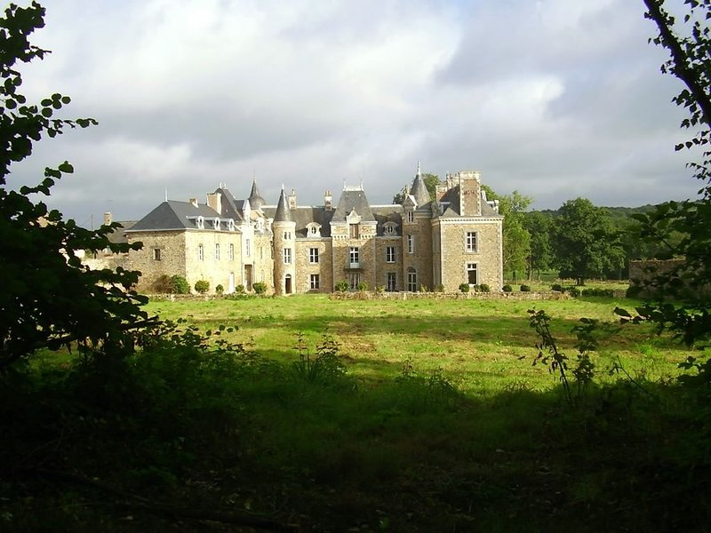 chateau   historique, vacation rental in Val-d'Ize