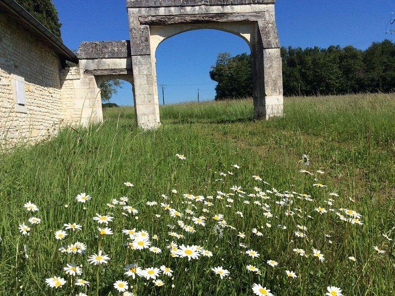 Le Prieuré, charmante propriété en Touraine – semesterbostad i Les Ormes