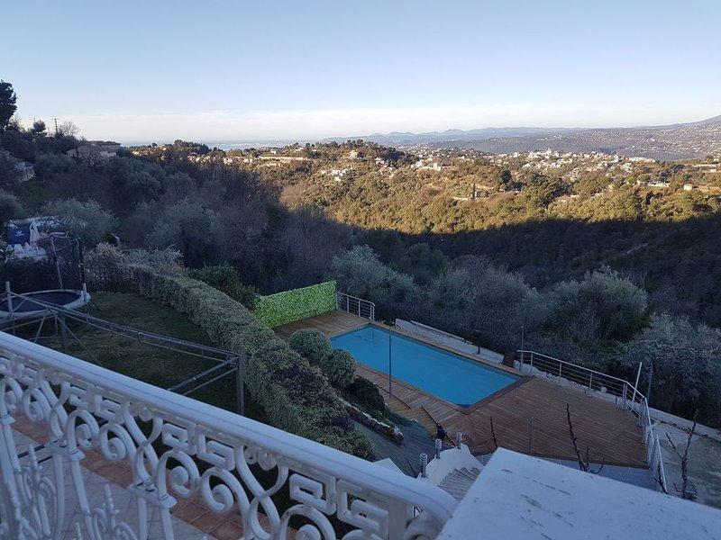 VILLA VUE IMPRENABLE SUR LA MER AVEC PISCINE PRIVEE AU SEL, vacation rental in Colomars