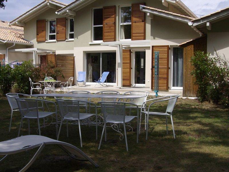 Maison avec 4 chambres, proche des plages,grand jardin,en lisière de forêt, vacation rental in Capbreton