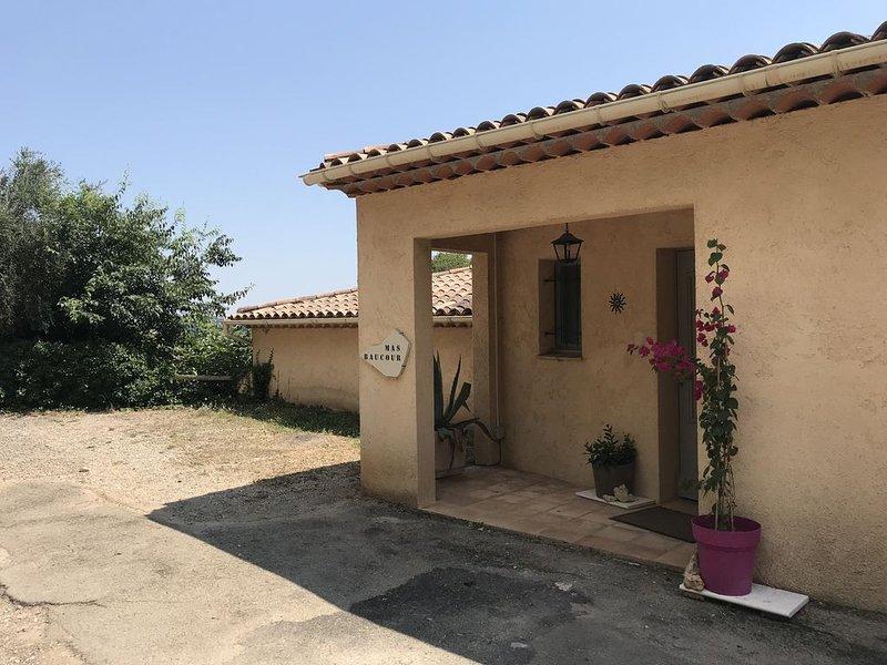 Villa provençale avec piscine chauffée et SPA, location de vacances à Grasse