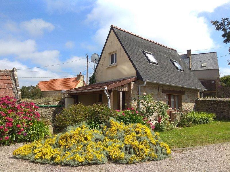 Maison de caractère en pierre à 500 m de la mer sur la côte de granit rose, casa vacanza a Pleumeur Bodou