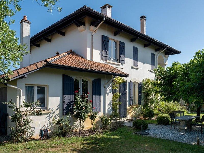 Grande villa et gite avec piscine pres de la plage de Contis, holiday rental in Uza