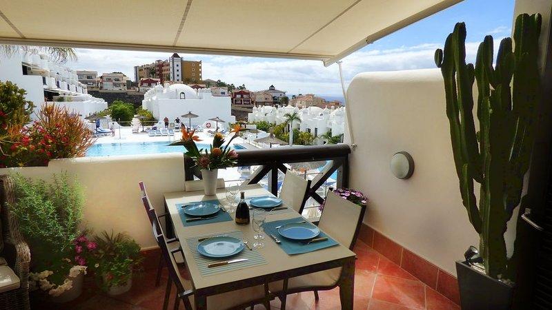 Duplex de luxe, vue sur la mer et sur piscine, WiFi, parking, piscine chauffée, vacation rental in Playa Paraiso
