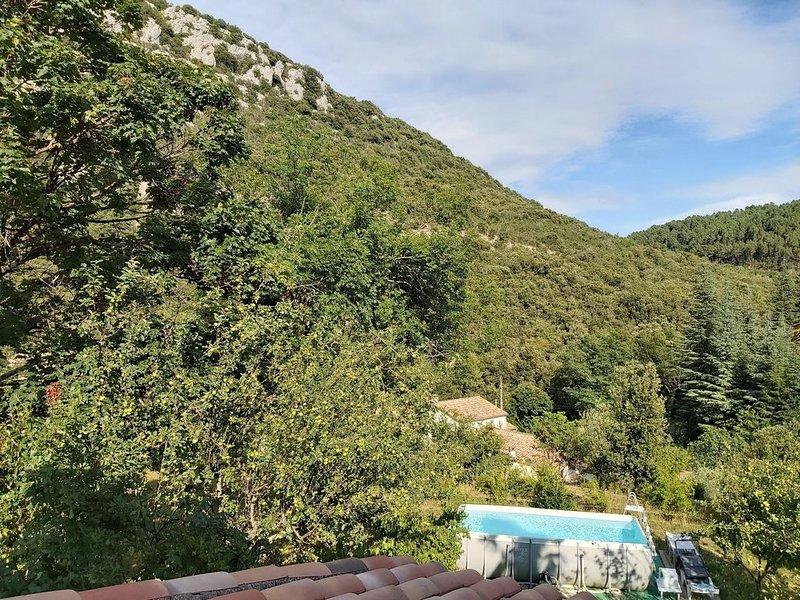 BELLE PROPRIETE RECENTE  TOUT CONFORT ,  5MN DES VANS, casa vacanza a Saint-Paul-le-Jeune