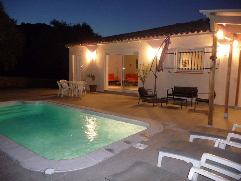 Belle villa neuve proche de calvi sur terrain privé avec piscine privée, Ferienwohnung in Moncale