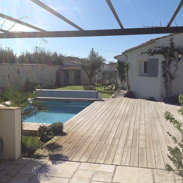 Villa - 9 personnes - Piscine - Wifi - jardin - terrasse - Plage - Ile de Ré, holiday rental in Le Bois-Plage-en-Re