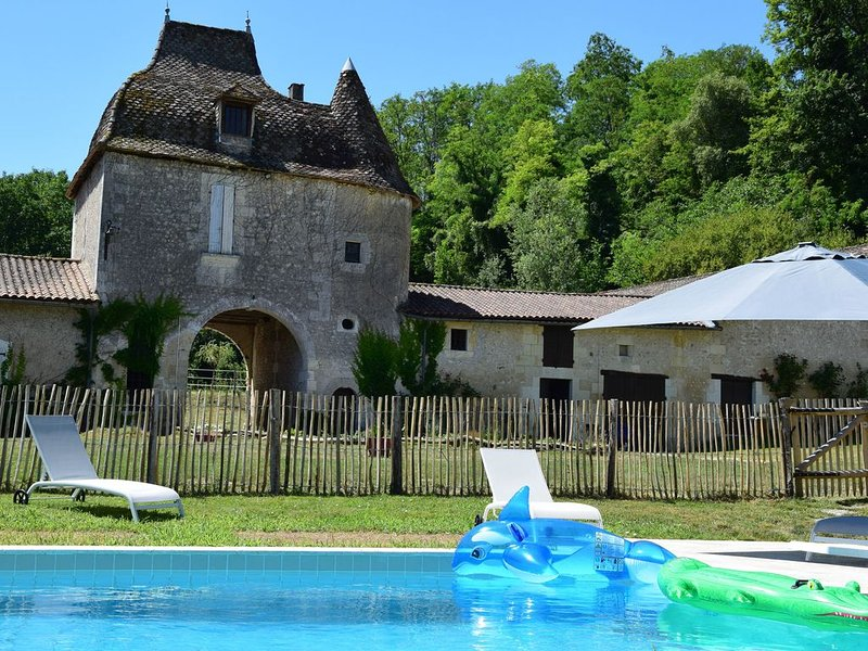 Gite de la source du Domaine de La Vallade, holiday rental in Parcoul