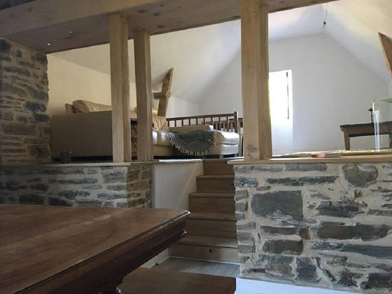 Maison de village typique et charmante, holiday rental in Saint-Pardoux-l'Ortigier