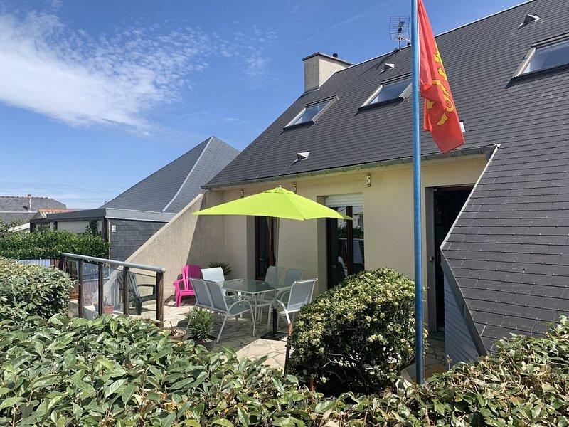 MAISON DE VACANCES 120M2 A AGON COUTAINVILLE VUE SUR MER, holiday rental in Regneville-sur-Mer