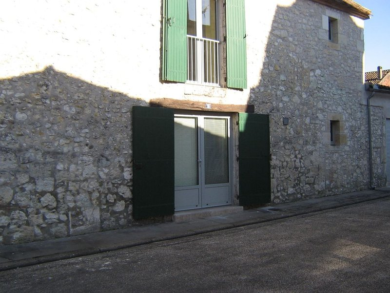 maison de village dans le bourg, holiday rental in Peyriere