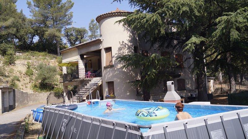 Gite en Provence Avignon Orange Ventoux Luberon 6 places, location de vacances à Vedène