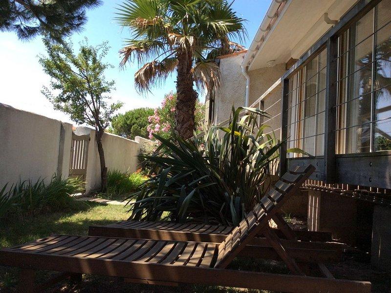 Maison Ile d'Oleron - 100m de la mer et des commerces, holiday rental in Saint-Trojan-les-Bains