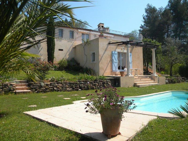 VILLA MOUANS SARTOUX, PISCINE, VUE PANORAMIQUE, 15 MN CANNES SES PLAGES - WIFI, vacation rental in La Roquette-sur-Siagne