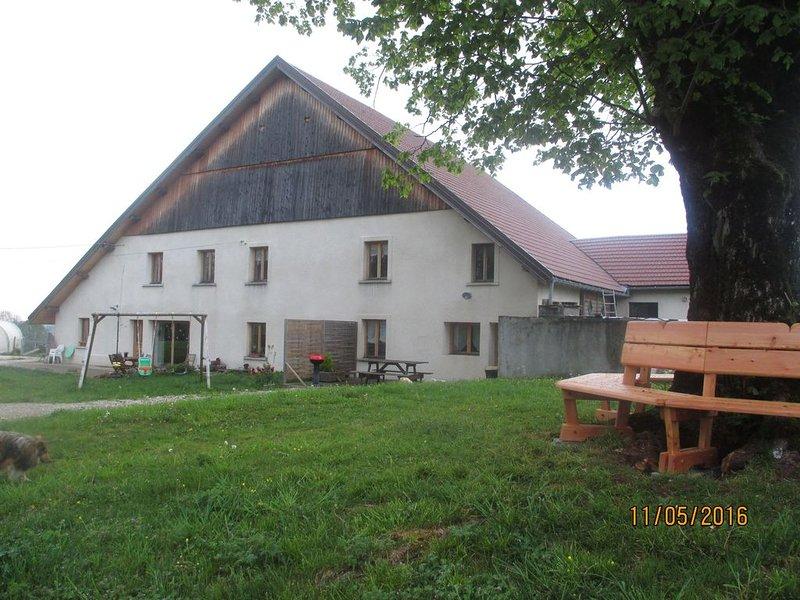 Gîte*** 80 m² dans ferme comtoise isolée, calme, campagne - Landresse, holiday rental in Sancey-le-Grand