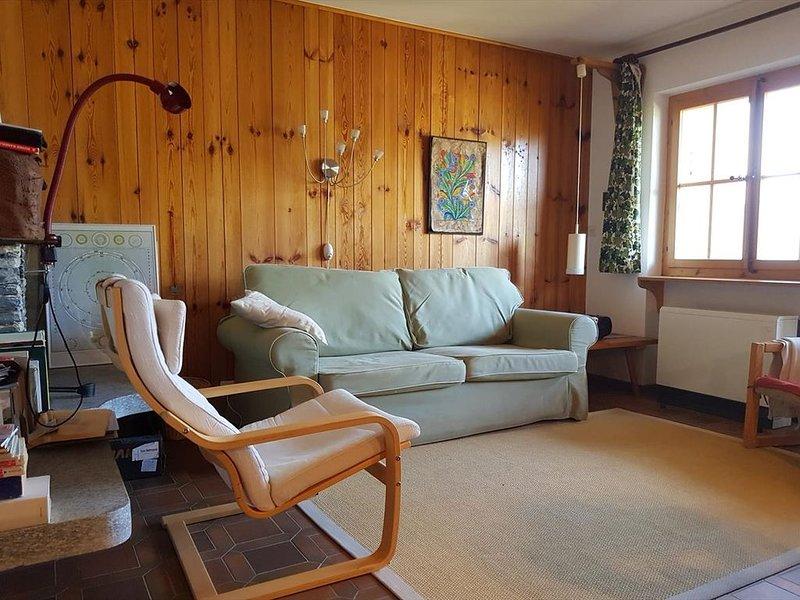 Extérieur : 3-pièces pour 4 personnes au 2ème étage, grand balcon avec meubles d, aluguéis de temporada em Oberems