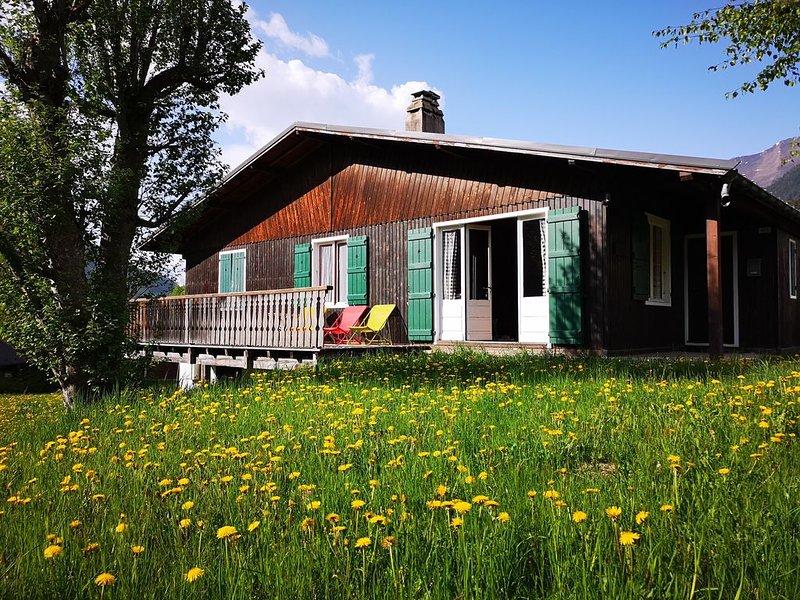 Chalet Bellaval - Traditionnel au cœur du village!, location de vacances à Les Contamines-Montjoie