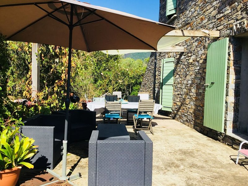 Magnifique villa de caractère en pierre climatisée, location de vacances à Valle-di-Campoloro