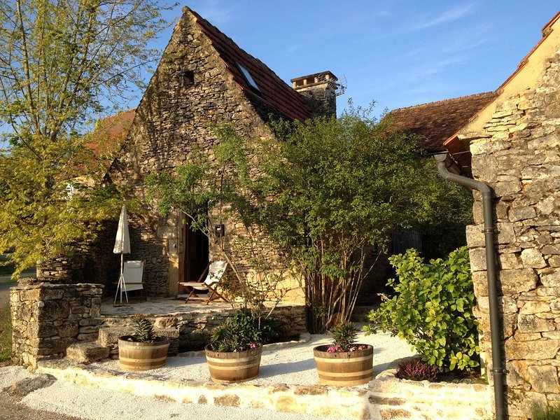 Location gite L'Ostalet maison en pierre en Perigord noir, Sarlat, vacation rental in Castels