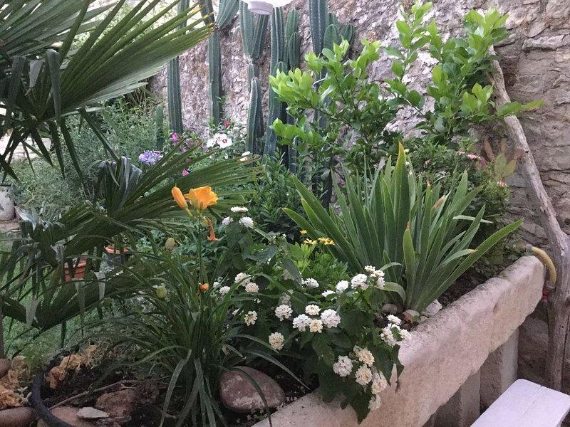 Chambre cosy a cote de Nimes la Romaine, location de vacances à Caveirac