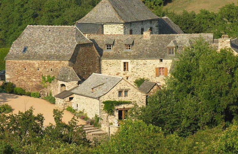 Gîte idyllique, écolo, 4 étoiles, confort et calme, promo Juin, vacation rental in La Fouillade