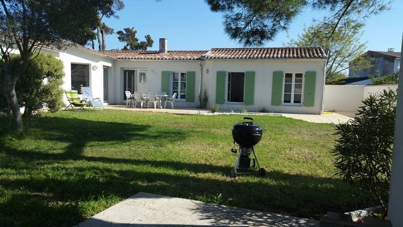 Villa - 10 Personnes - 4 Chambres - Wifi - Jardin - Plage - Bord de Mer, holiday rental in Le Bois-Plage-en-Re