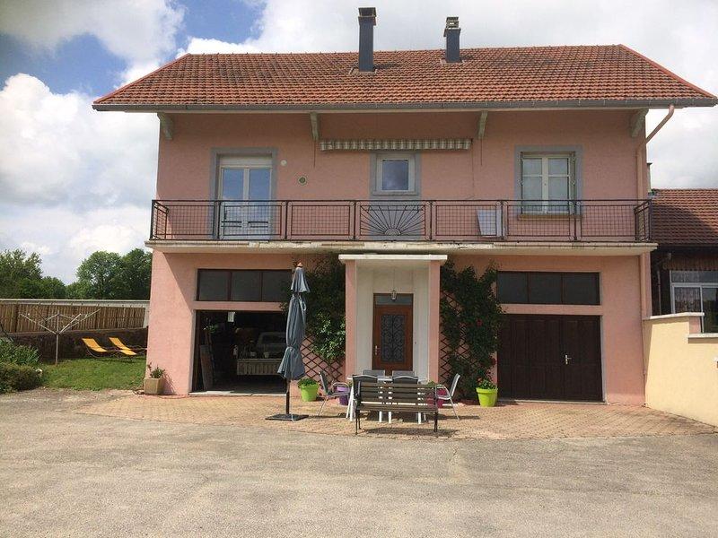MAISON INDIVIDUELLE A LOUER, casa vacanza a Saint-Rambert-en-Bugey