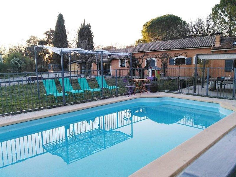 Maison de vacances entre Méditerranée et Cévennes, aluguéis de temporada em Logrian-Florian