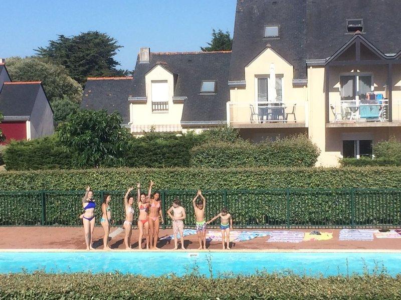 DUPLEX PROCHE MER, PISCINE, TENNIS PRIVATIFS Le Pouliguen - La Baule, holiday rental in Le Pouliguen
