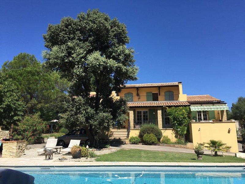 APPARTEMENT*** INDEPENDANT DANS VILLA AVEC PISCINE, vacation rental in Sanilhac-Sagries