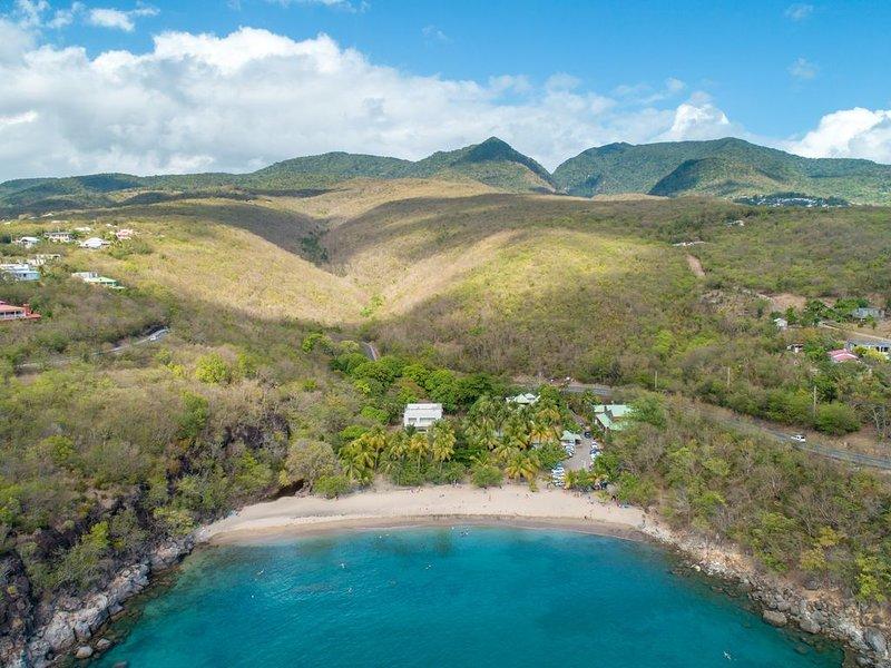 Ti T'Anse Village: Bungalow les pieds dans l'eau, alquiler de vacaciones en Pointe-Noire