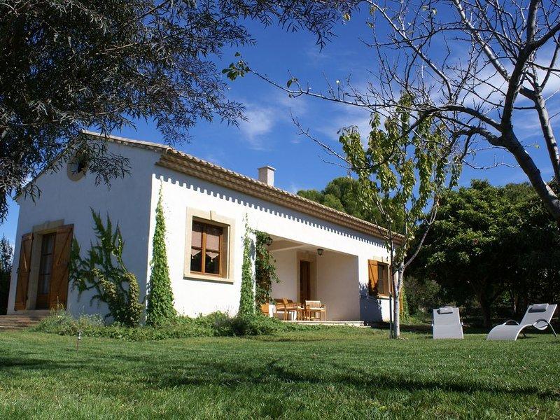 Location de vacances à Pézenas : une maison dans un grand jardin. Pour deux., location de vacances à Pezenas