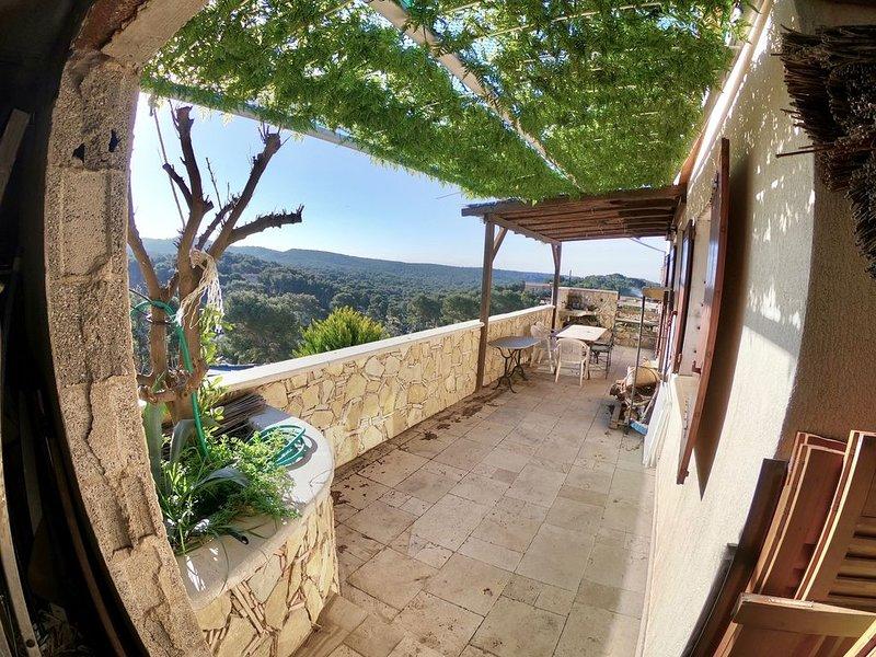 villa de plain-pied en nature, holiday rental in Marignane
